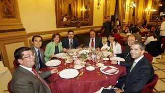 I. Imatz, F. Roca, V. Fernández, T. Valiente, G. Llanes, V. Herrera, J. A. Nieto y J. Mañas.