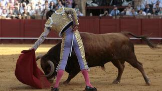 Miguel Tendero lo intentó en su primer toro de la tarde.  Foto: Juan Carlos Muñoz