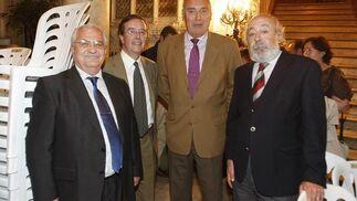 El presidente de Apemar, Emilio Medina; el director de la APBC, Albino Pardo;  Juan Bernal, de Gadesport; y Fernando Blanco, de Transmaroc.  Foto: Jose Braza