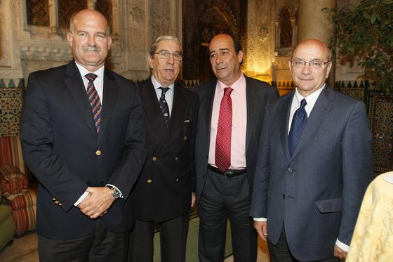El almirante jefe de la Base de Rota, Juan Ruiz Casas, José Ramón Pérez, Rafael Barra y José María Caravaca.  Foto: Jose Braza