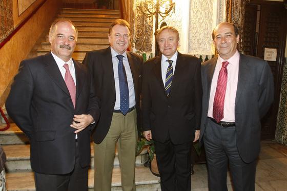 Pedro Arce y  Luis Garcías Solé, de Navantia, Guillermo Moreu, del Instituto Hidrográfico, y Rafael Barra.  Foto: Jose Braza