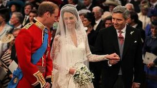 Guillermo y Kate, poco antes de comenzar la ceremonia.  Foto: Reuters