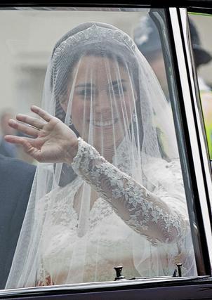 Kate saluda a los ciudadanos.   Foto: Reuters