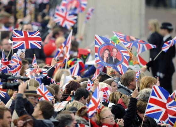 Los ingleses, volcados con el enlace.  Foto: Reuters