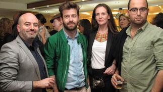 Los diseñadores Antonio y Fernando García, con Miriam Hurtado, arquitecto y diseñadora de Myho, y Christian Sánchez (Antonio García).  Foto: Victoria Ramírez