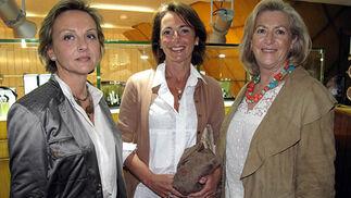 Isabel Calle, Rosario Compagmi y Mercedes Hernández.  Foto: Victoria Ramírez