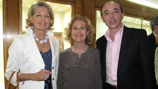 Esther Sánchez, Carmen Romero y Juan Santamaría.  Foto: Victoria Ramírez