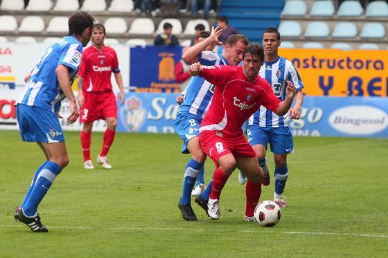 El conjunto azulino gracias a un doblete de Mario Bermejo remonta el tanto inicial del equipo leonés, acercándoles a la zona noble de la tabla  Foto: lof