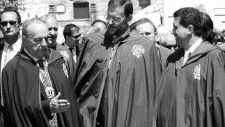 Manuel Fraga, Mariano Rajoy y Jaume Matas, en la fiesta del albariño en 2002. / EFE