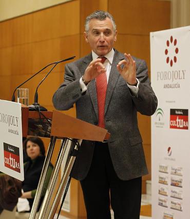 Plata, en su intervención en el encuentro, celebrado en el Hotel NH de Málaga.  Foto: S. Camacho· Migue Fernandez