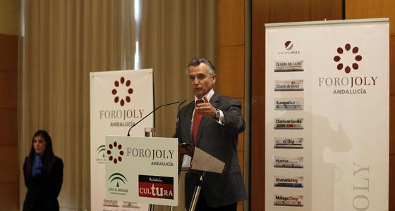 El consejero de Cultura, Paulino Plata, durante su intervención en el Foro Joly Andalucía.  Foto: S. Camacho· Migue Fernandez