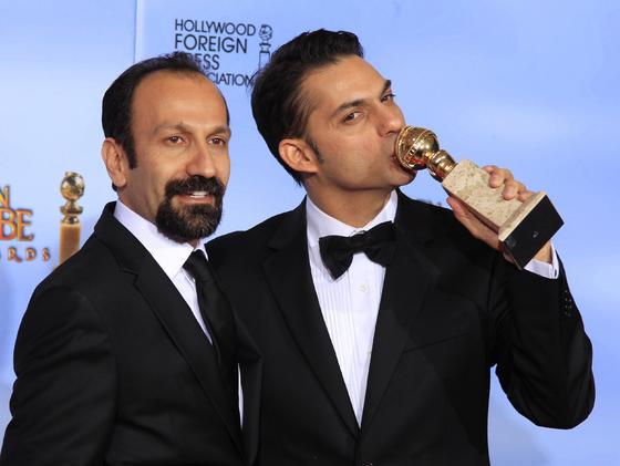 El director Asghar Farhadi y el ctor Peyman Moadi, Globo de Oro a mejor película extranjera por 'A separation'. / Reuters