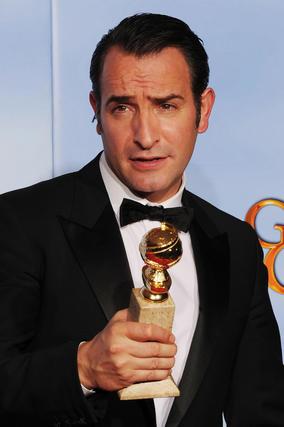 El actor Jean Dujardin, Globo de Oro a mejor actor principal por 'The Artist'. / Reuters