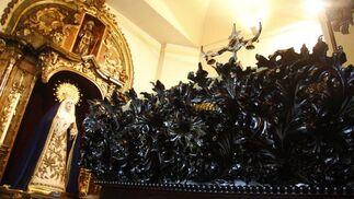 Entrega del paso ya restaurado a la Hermandad de la Carretería.  Foto: Victoria Hidalgo