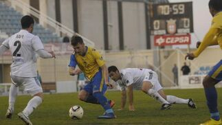 El Cádiz logra una victoria a domicilio que le permite seguir líder de su grupo una semana más./Fotos:LOF  Foto: LOF