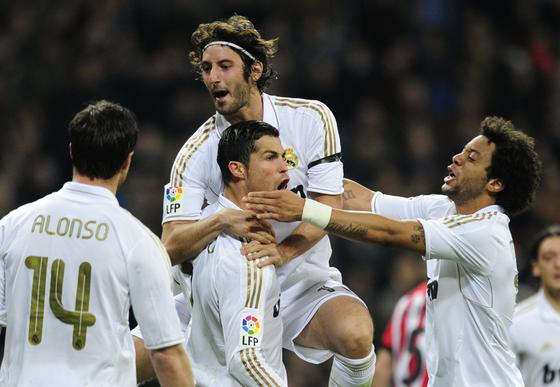 AEl Real Madrid golea 4-1 al Athletic de Bilbao de Bielsa en el Bernabéu. / AFP