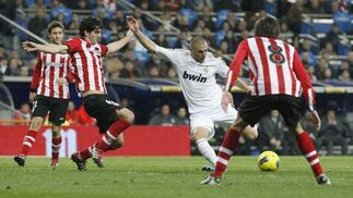 El Real Madrid golea 4-1 al Athletic de Bilbao de Bielsa en el Bernabéu. / Reuters