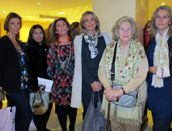Celsa Blandino, María José Reina, Carmen Pareja-Obregón, Pilar Parejo, María Pepa Zabala y Lourdes Parejo.  Foto: Victoria Ramírez