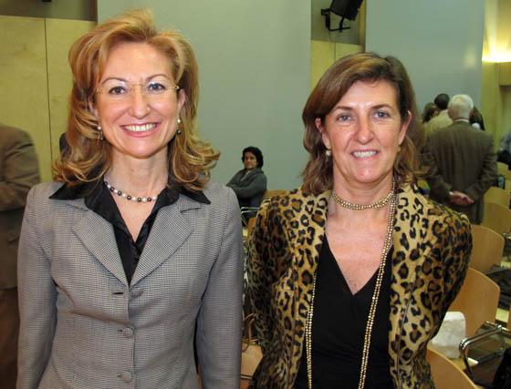 María Luisa García, presidenta del Consejo Social de la Universidad de Sevilla, y Pilar García Ceballos- Zuñiga, vicepresidenta de IBM y directora general de INSA (Grupo IBM), ponente de una de las mesas.  Foto: Victoria Ramírez