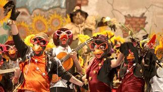 Comparsa La banda de los girasoles  Foto: Jesus Marin