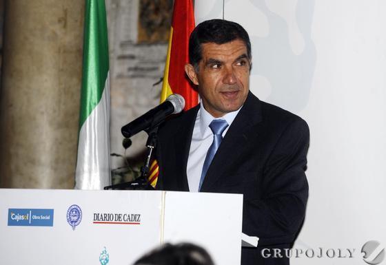 Lorenzo del Río, durante su intervención de ayer en el Foro de Cádiz, celebrado en el Casino Gaditano.  Foto: Joaquín Hernández Kiki