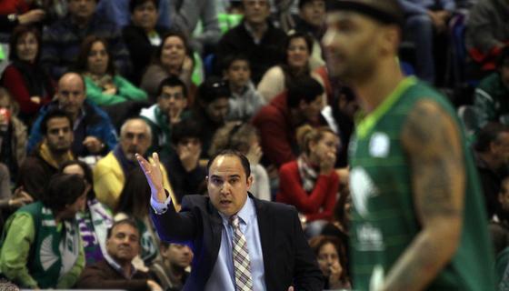 El Unicaja se desangra, encadena su sexta derrota consecutiva, esta vez en casa ante un equipo de abajo en la Liga Endesa.   Foto: Javier Albinana