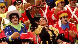 Coro Los muñecos de Cádiz otra vez...  Foto: Lourdes de Vicente