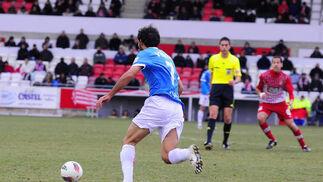 El Almería gana a domicilio al Girona y empata a puntos con el tercero. / LOF