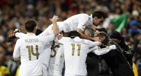 El Real Madrid remonta al Levante en el Santiago Bernabéu (4-2). / Reuters
