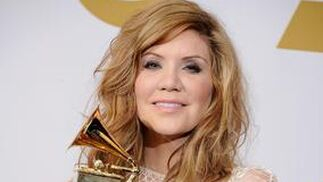 Alison Krauss, de Alison Krauss & Union Station, ganadora del Grammy al mejor album de bluegrass del año por 'Paper Airplane'. / AFP