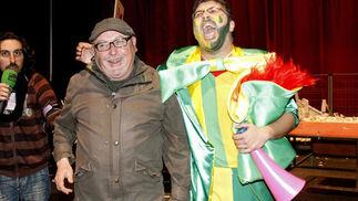 Manolo Santander y Vera Luque tras la actuación de 'Los hinchapelotas'  Foto: Lourdes de Vicente / Jesus Marin