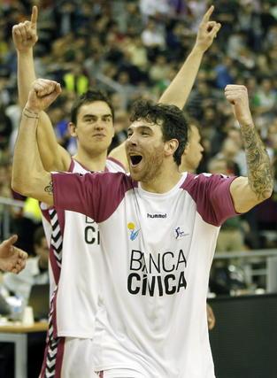 El Banca Cívica se mete en semifinales de la Copa del Rey a costa de Unicaja (65-77). / EFE