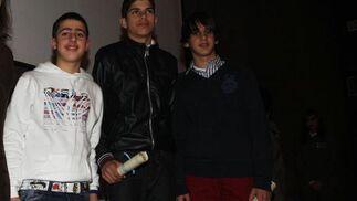 Los baloncestistas Sergio Gil, Pablo Leyva y David Desola  Foto: Paco Guerrero