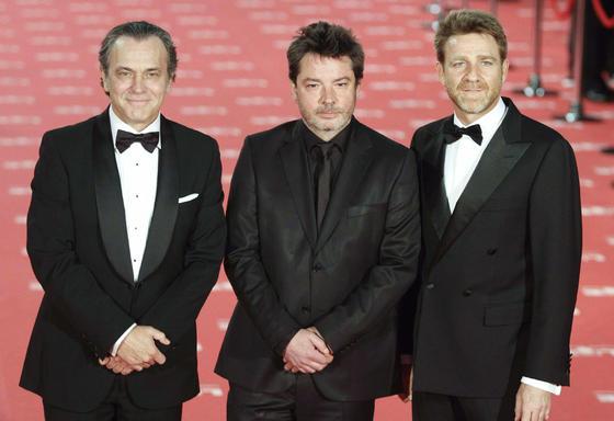 Coronado, Urbizu y Artero antes de entrar en la la gala  Foto: EFE