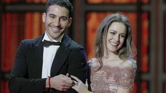 Miguel Angel Silvestre junto a Silvia Abascal.  Foto: EFE