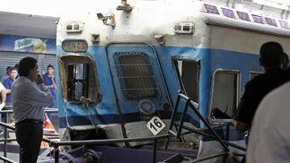 Estado en el que quedó uno de los trenes.  Foto: Reuters