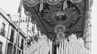 Algunas estampas de la exposición dedicada a la obra de Jesús Martín Cartaya.  Foto: D.S.