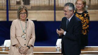 Adelaida de la Calle, tras recibir su Medalla de Andalucía.  Foto: Antonio Pizarro