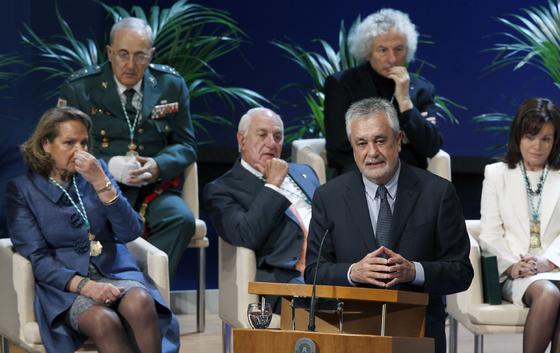 Griñán durante su discurso.  Foto: Antonio Pizarro