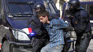 Carga de los Mossos d'esquadra.  Foto: AFP Photo