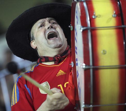 España golea a Venezuela en La Rosaleda con una exhibición de fútbol. / EFE