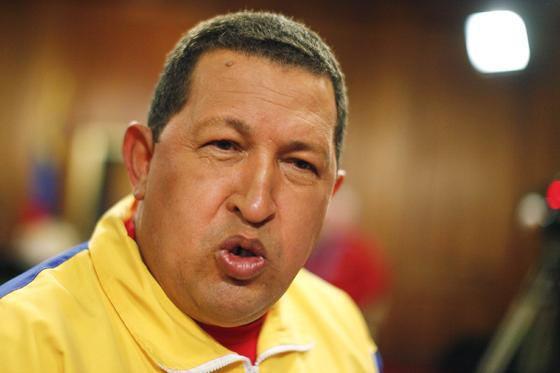 Chávez, muy activo en los medios, en su programa 'Aló, presidente'  Foto: Reuters