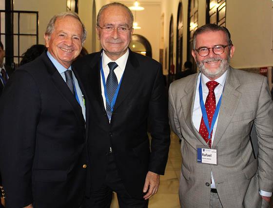 José Gandía, presidente de SAT Royal; el alcalde de Málaga, Francisco de la Torre, y Rafael Gómez, consejero de Mercadona.  Foto: Victoria Ramírez