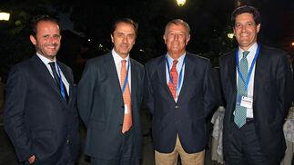 Pepe Torquemada, CEO de La CIA; Ricardo Delgado Vizcaíno, presidente de Covap; Nicolás Álvarez, presidente de Visasur y vicepresidente segundo de la Fundación San Telmo, y Leopoldo Parias, socio director de Deloitte en Andalucía.  Foto: Victoria Ramírez