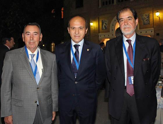 Antonio Gallego, consejero de Migasa; José María del Nido, presidente del Sevilla FC, y Rafael Ybarra, presidente del Grupo Ybarra.  Foto: Victoria Ramírez