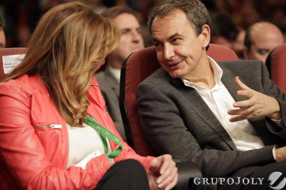 Susana Díaz dialoga con José Luis Rodríguez Zapatero.  Foto: L. Rivas
