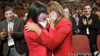 Micaela Navarro y Susana Díaz.  Foto: L. Rivas