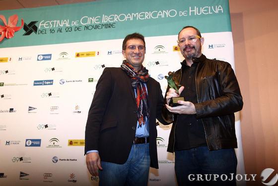 Javier Chaparro, director de 'Huelva Información', y el director Roberto Flores.   Foto: A.Dominguez/J.Correa