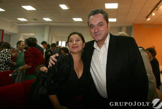 Salazar, junto al director la muestra onubense, Eduardo Trías.  Foto: A.Dominguez/J.Correa
