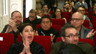 Susana Salazar, sorprendida al conocer que la cinta en la que actúa, 'Workers', es premiada con el Colón de Oro.   Foto: A.Dominguez/J.Correa